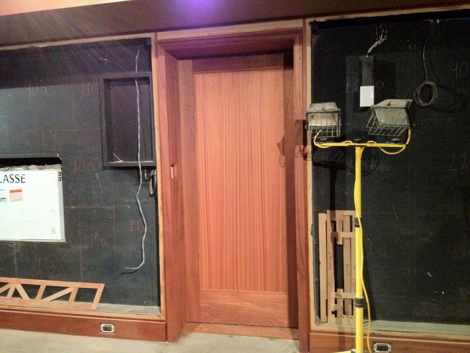kitchenette_door.jpg
